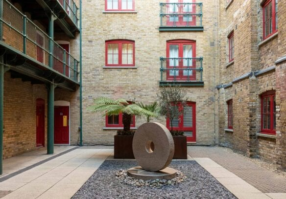 3 BEDROOM RIVERSIDE WAREHOUSE APARTMENT Globe Wharf, Rotherhithe