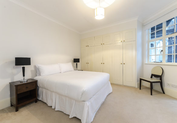 143-park-road-st-johns-wood-nw8-master-bedroom