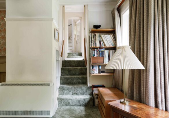 Water-Tower-conversion-north-london-stairs-dining-room
