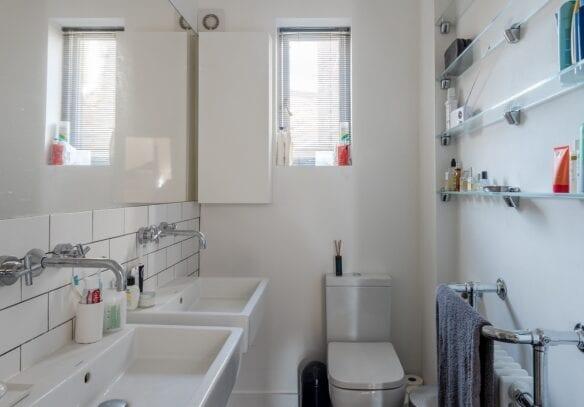 victorian-folly-brook-green-hammersmith-w14-ensuite-bathroomvictorian folly brook green hammersmith w14 family ensuite bathroom