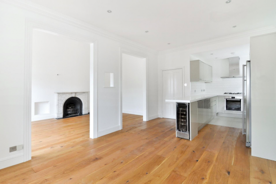 sensational-4-bedroom-apartment-belsize-park-nw3-reception-kitchen