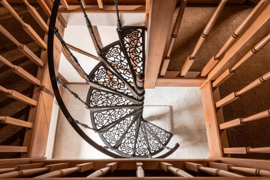 colchetsre mill house wakes colne c06 spiral stair case