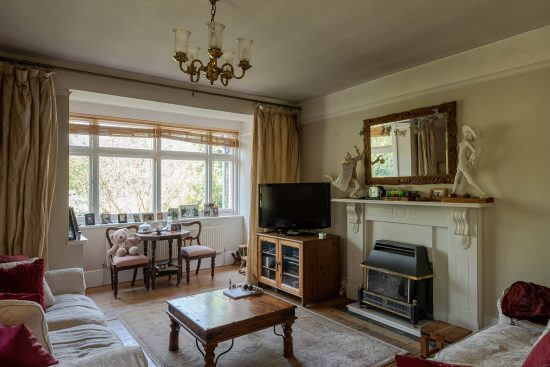 Original-Victorian-Lodge-Enfield-London-EN2-for-sale-2.jpg