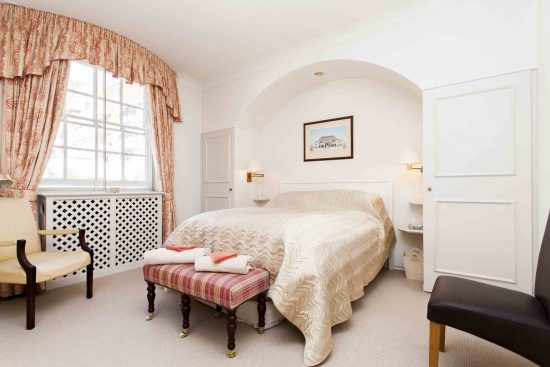 Reeves Mews apartment for sale with picture of main double bedroom