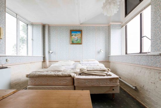 Water-Tower-conversion-north-london-bedroom-top-tower