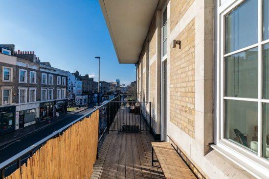 balcony-deck-hackney-E2.jpg