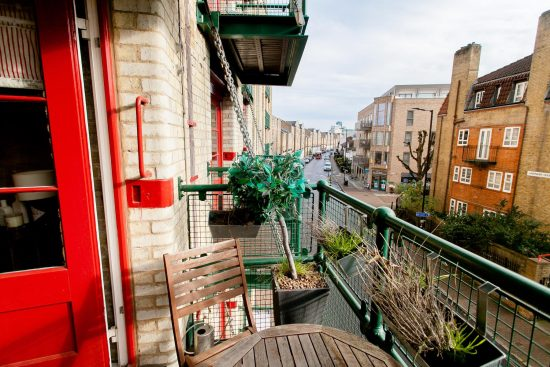 balcony-warehouse-conversion-two-bedroom-rotherhithe-street-se16-2