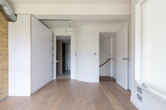 landing hallway at bankside lofts aprtment se1