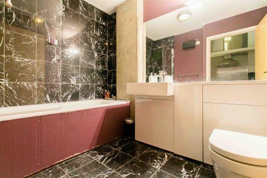 bathroom-industrial-one-bedroom-apartment-angel-london-n1-1