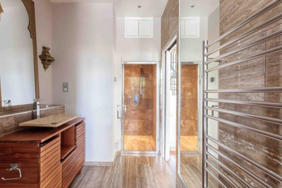bathroom-sink-salisbury-street-acton-w3