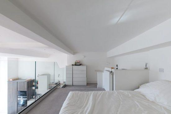 bedroom-raised-hackney-E2.jpg