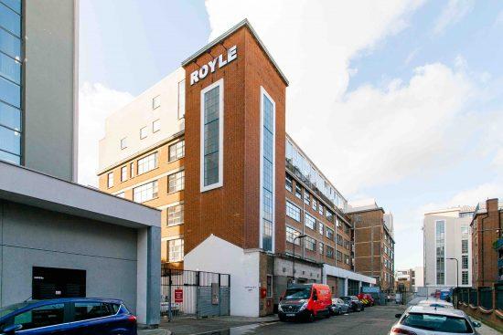 building-industrial-one-bedroom-apartment-angel-london-n1