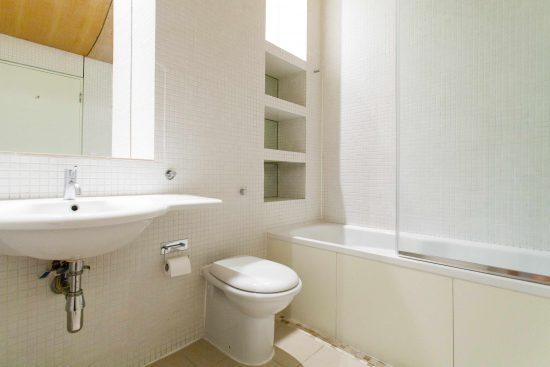 canal-building-shepherdess-walk-n1-bathroom