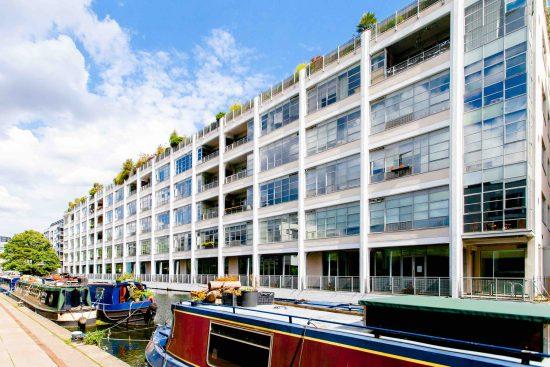 canal building shepherdess walk n1 exterior regents canal boat