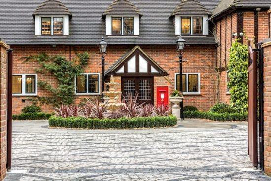 chalfont-manor-buckinghamshire-HP8-unique-property-company2