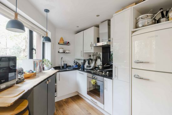contemporary-end-of-terrace-house-highbury-n5-3