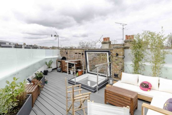 Contemporary End Of Terrace Home