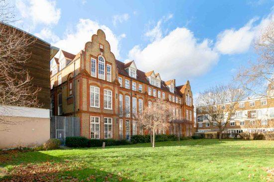 contemporary-one-bedroom-apartment-stepney-city-apartments-e1.jpg
