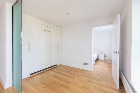 contemporary-warehouse-madison-apartments-se1-kitchen-second-reception-room