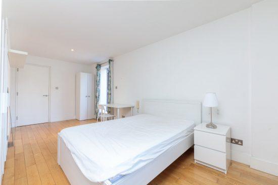 contemporary-warehouse-madison-apartments-se1-master-bedroom