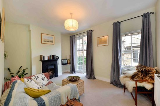 cottage-ufford-street-waterloo-se1-living-room.jpg
