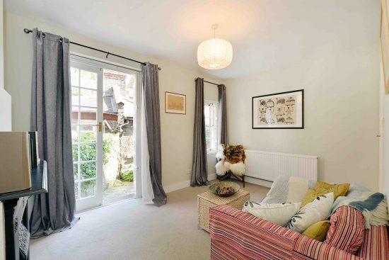 cottage-ufford-street-waterloo-se1-reception-room