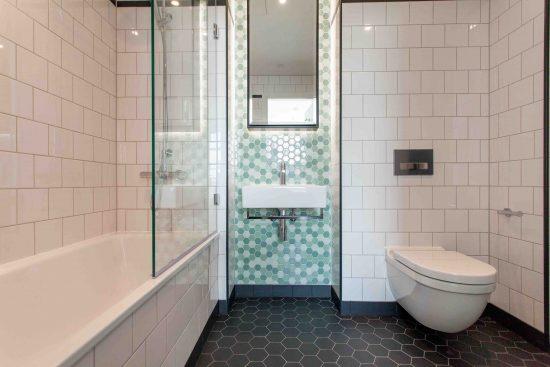 defoe-house-london-city-island-e14-0tu-bathroom2