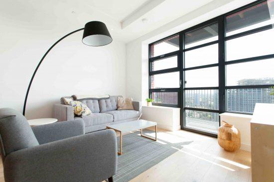 defoe-house-london-city-island-e14-0tu-reception-room-3