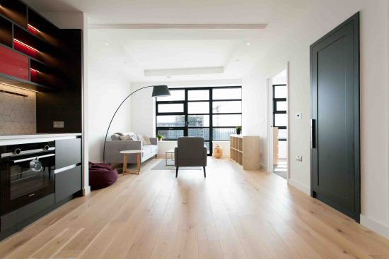 defoe-house-london-city-island-e14-0tu-reception-room-5