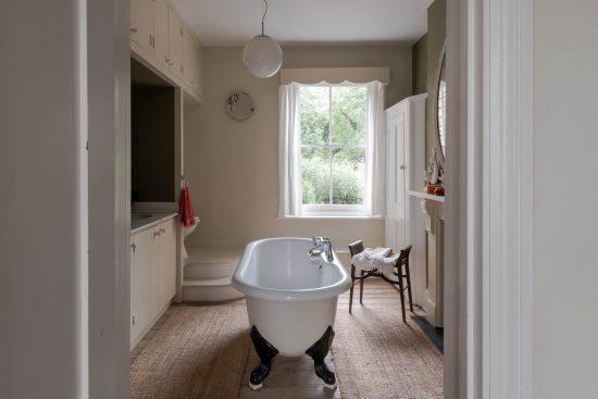 family-bathroom-Umfreville-Road-green-lanes-n4