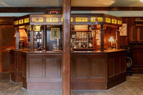 film-location-hire-pub-hammersmith-london-w6-15