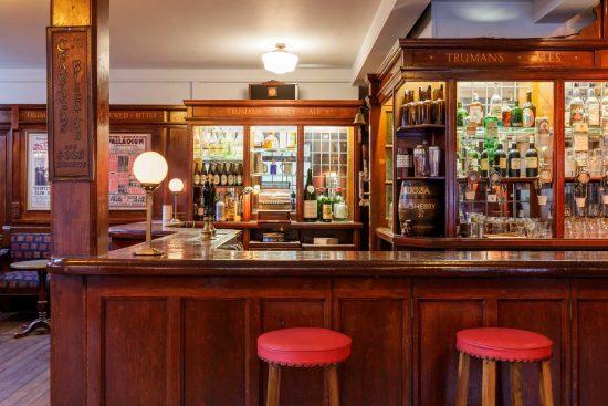 film-location-hire-pub-hammersmith-london-w6-19