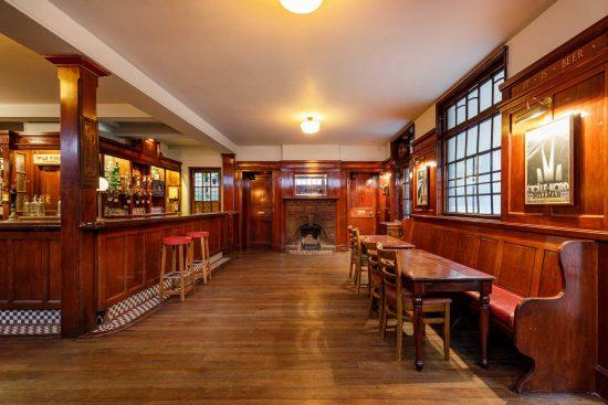 film-location-hire-pub-hammersmith-london-w6-21