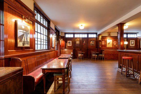 film-location-hire-pub-hammersmith-london-w6-22
