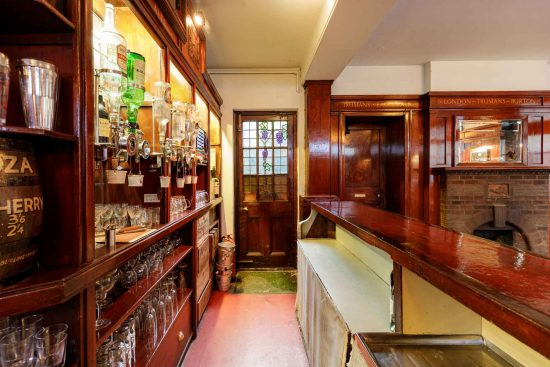 film-location-hire-pub-hammersmith-london-w6-24