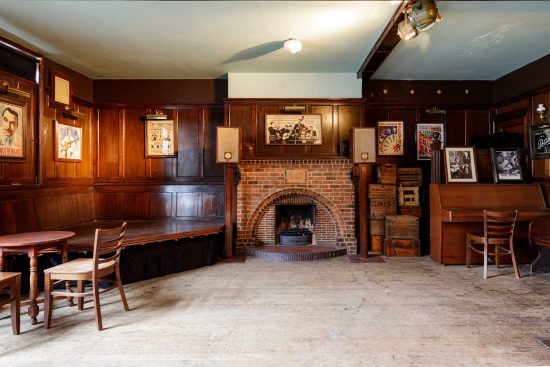 film-location-hire-pub-hammersmith-london-w6-8