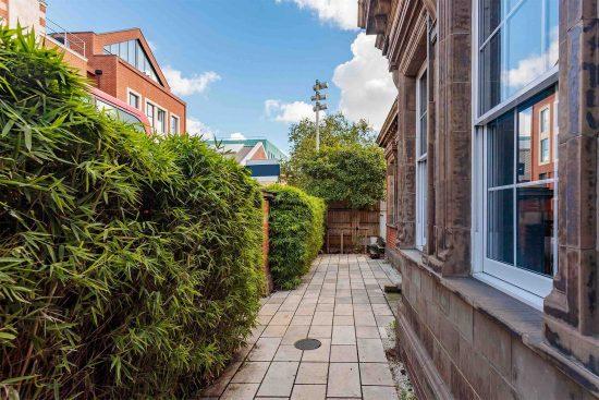 front-garden-2-salisbury-street-acton-w3.jpg
