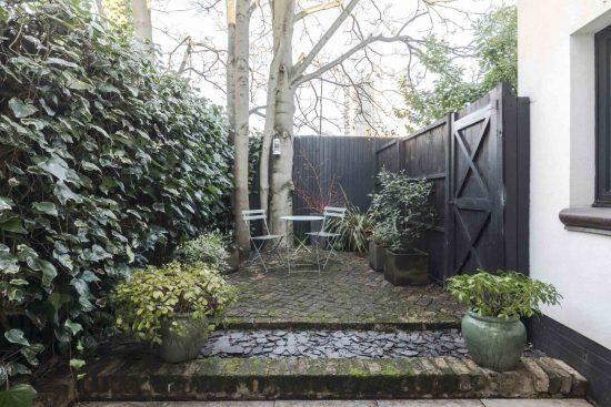 gate houswe clapham rear garden