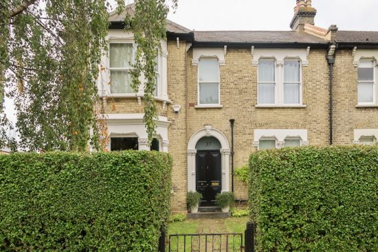 kempshott-road-london-sw16-for-sale-unique-property-company