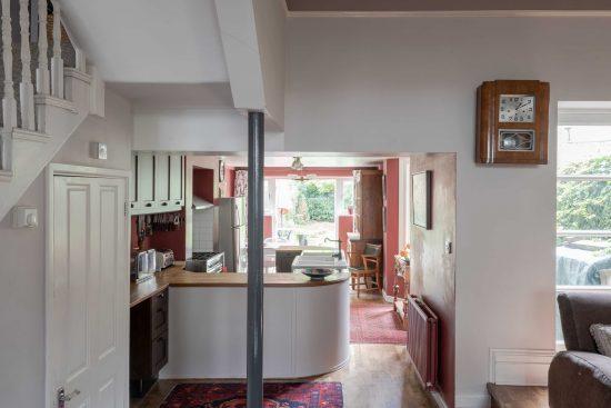 kitchen-view-Umfreville-Road-green-lanes-n4