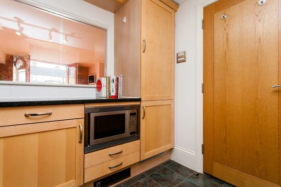 kitchen-warehouse-conversion-two-bedroom-rotherhithe-street-se16-2.jpg