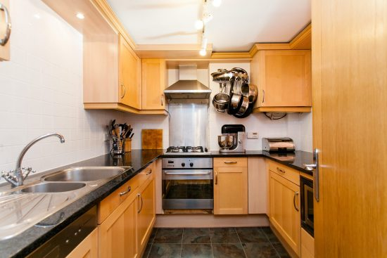 kitchen-warehouse-conversion-two-bedroom-rotherhithe-street-se16