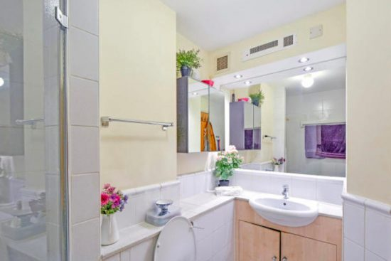 north-block-county-hall-apartments-chinchley-street-southbank-se1-bathroom