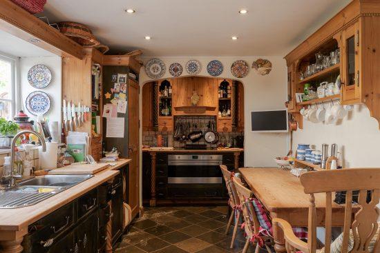 old-oak-court-wokingham-berkshire-for-sale-unique-property-company11.jpg