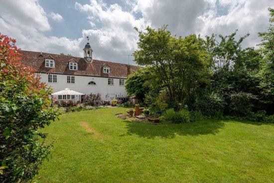 old-oak-court-wokingham-berkshire-for-sale-unique-property-company16.jpg