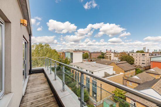 penthouse-apartment-bow-e3-for-sale-unique-property-company-10