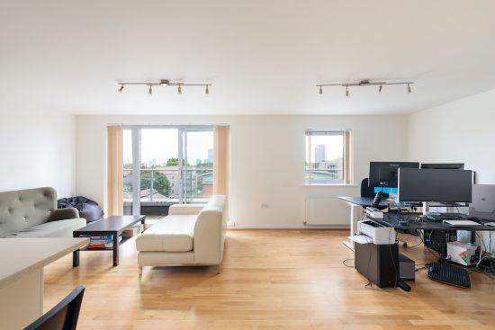 penthouse-apartment-bow-e3-for-sale-unique-property-company-7