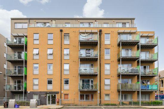 penthouse-apartment-bow-e3-for-sale-unique-property-company-9