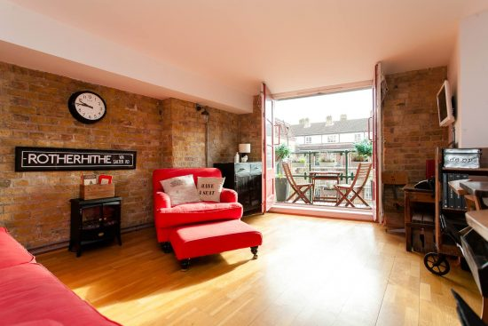 reception-warehouse-conversion-two-bedroom-rotherhithe-street-se16-2
