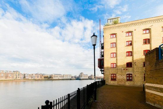 river-warehouse-conversion-two-bedroom-rotherhithe-street-se16